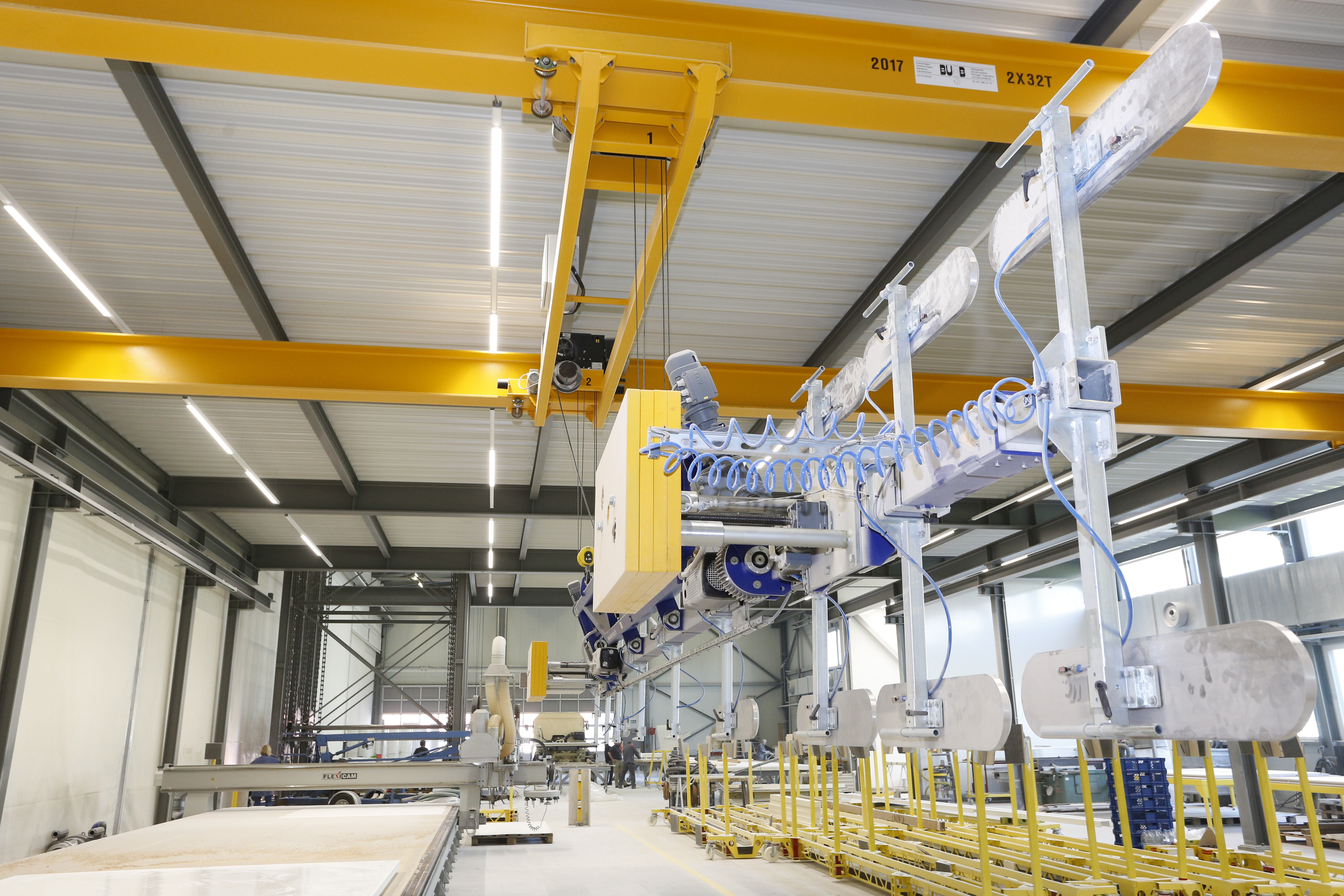 The crane system and the vacuum lifting device D-T90-3000.18