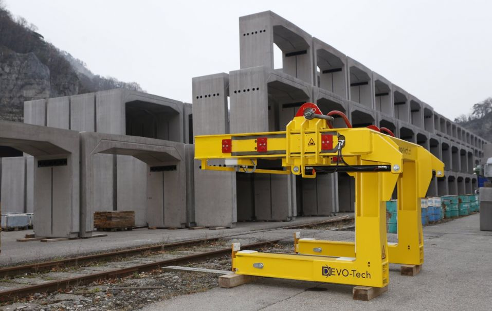 The fork lift at the installation site