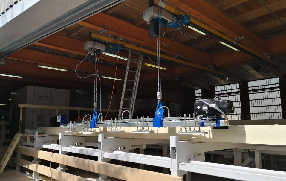 Installation of the vacuum lifting device D-TB-1000.05 with two new chain hoists from ABUS